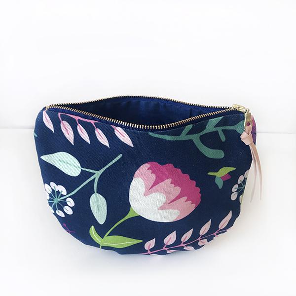 Vintage Floral Scoop Zipper pouch_New