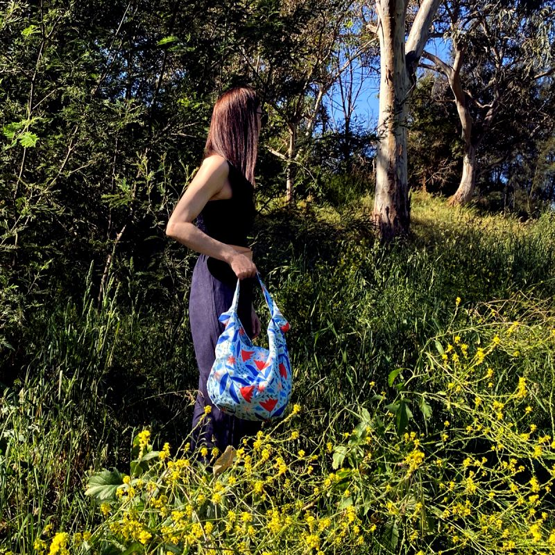 Summer Breeze Tote Bag_Lifestyle